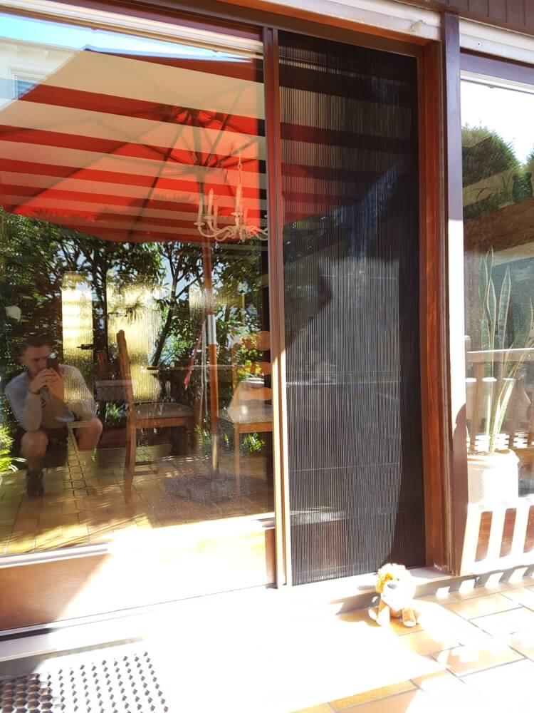 balkon_insektenschutz_aussen_luft_durchlueften