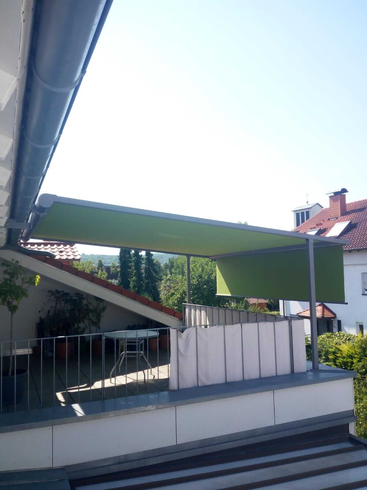 balkon_sonnenschutz_grueb-markise_ueberdachung