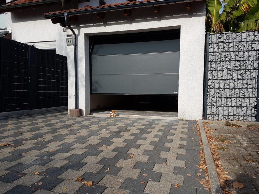 garage_garagentor_grau