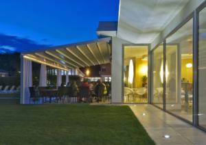 Garten Abend Vordach Gastro außen
