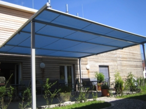 Holzhaus Markise Sonnenschutz Dach