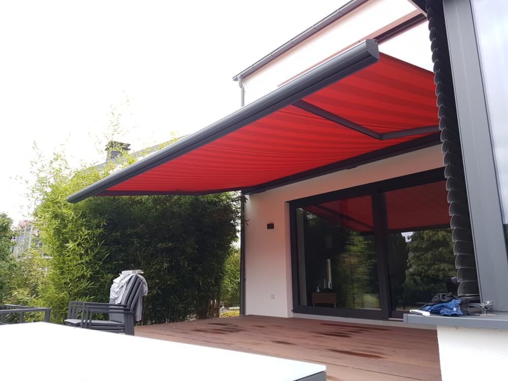 markise_rot_terrasse_aussen