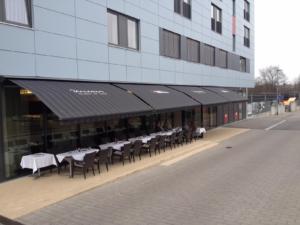 Restaurant Gastro Straße Markise lang