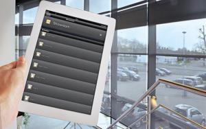 Tablet mit Ansicht Smart-Home Steuerung