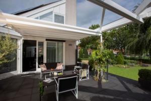 Terrasse Glasdach Sitzgelegenheit Haus