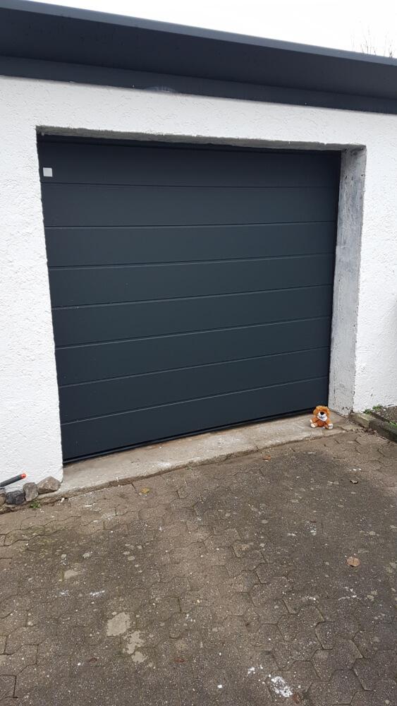 tor_garagentor_grau_garage
